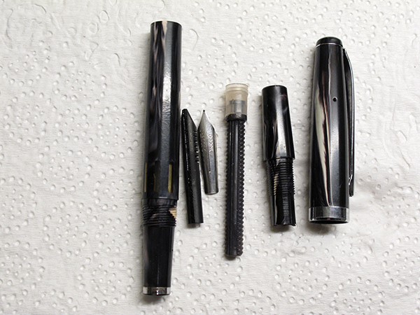 flex_pen_disassembled